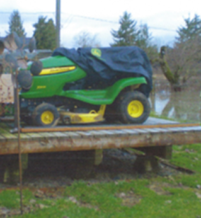 Photo of lawn mower on trailer